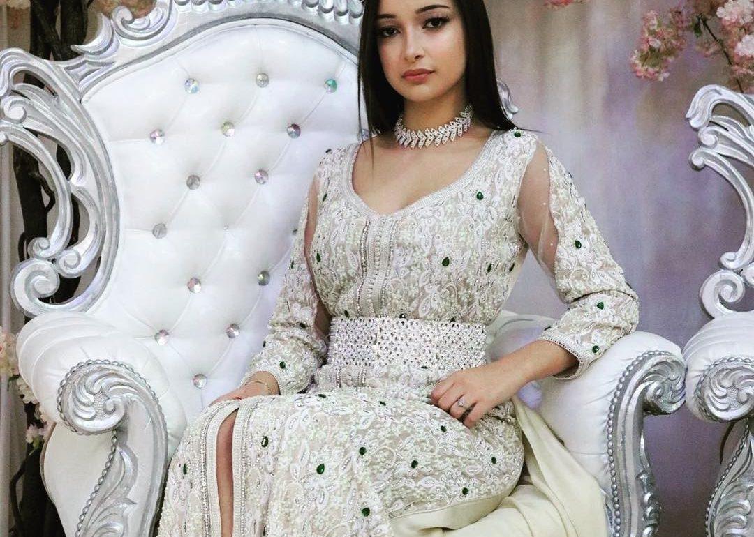 71a5d2bb5ea Robe orientale à vendre en ligne pour jeunes filles - Caftan Maroc